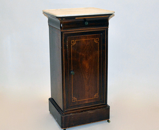Lot 122: Early 19th cent Charles X white marble top, rosewood single door/drawer side table. H79xW41xD38cm