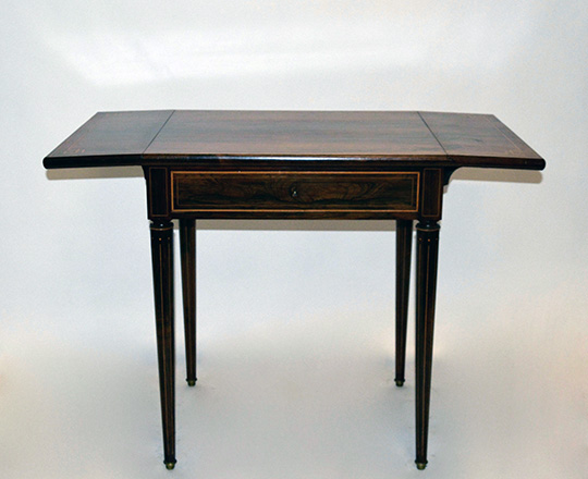 Lot 123: Elegant, early 19th cent Charles X rosewood, single drawer drop leaves desk table. H73xW99,5xD50cm (open)