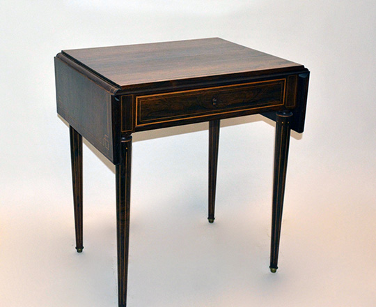 Lot 123_1: Elegant, early 19th cent Charles X rosewood, single drawer drop leaves desk table. H73xW99,5xD50cm (open)