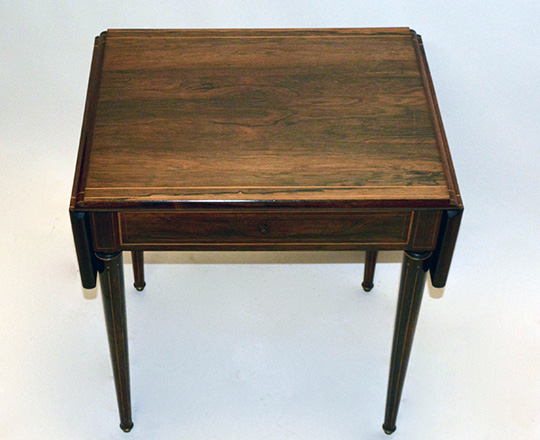 Lot 123_2: Elegant, early 19th cent Charles X rosewood, single drawer drop leaves desk table. H73xW99,5xD50cm (open)