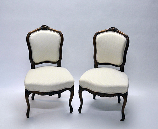 Lot 173: Pr Louis VX light cream color fabric finely carved chairs.