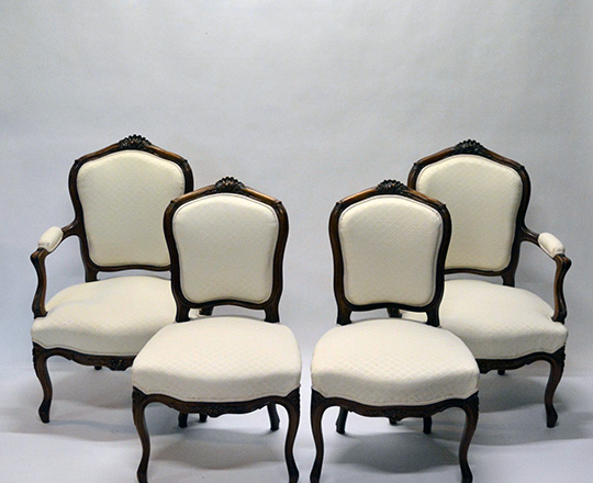 Lot 173_1: Pr Louis VX light cream color fabric finely carved chairs.