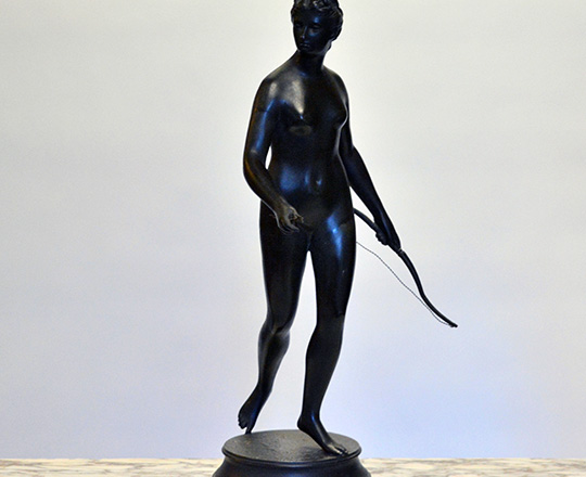 Lot 186: Tall 19th cent bronze wash spelter statue of Diane the huntress, H 62cm.