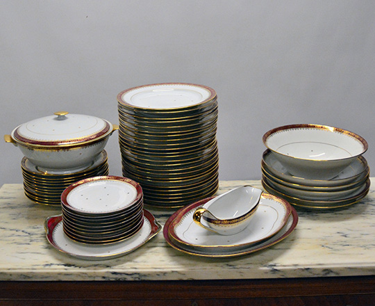 Lot 202: Limoges tea / coffee and dinner service