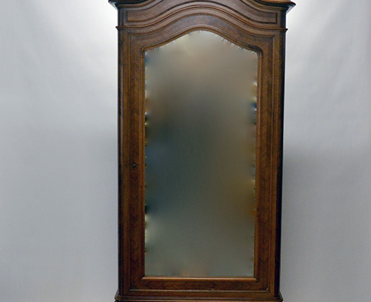 Lot 592: 19th cent Louis XV single mirror door walnut armoire with richly carved pediment.(5+1 shelves) H240xW110xD50cm
